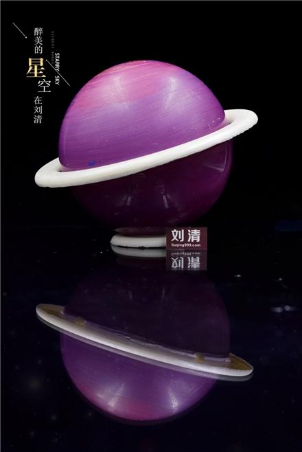 火爆朋友圈的网红星空蛋糕在刘清西点烘焙学校可以免费学啦!